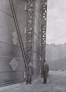 Am Wasserbassin des Gasometers IV, um 1913