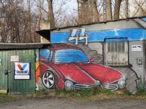 Graffiti einer Autowerkstatt an der Torgauer Straße